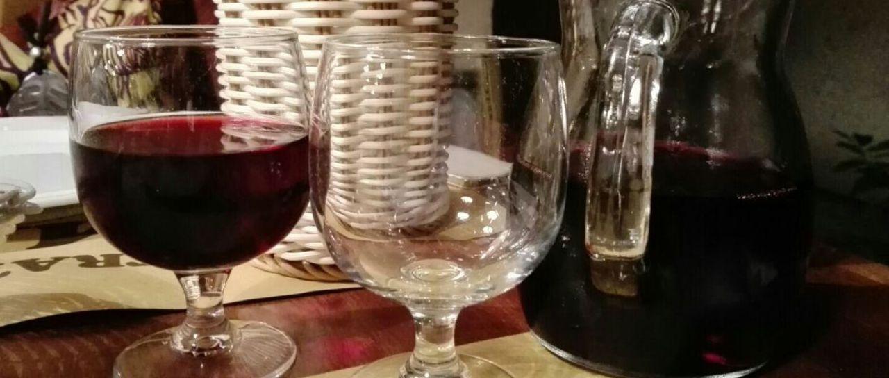 Il vino della casa | Trattoria Il Matto - Sala di Cesenatico